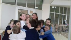 Акция «Подари улыбку»  6 марта волонтёры ДЦ «Волонтёр»