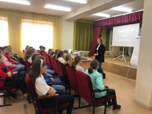 #Новости@mddvolonter_kizner  Сегодня, 26 октября, состоялась «Школа-практикум» для волонтёров.