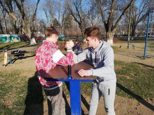 Здоровый Образ Жизни  Сегодня волонтёры занимались спортом вместе