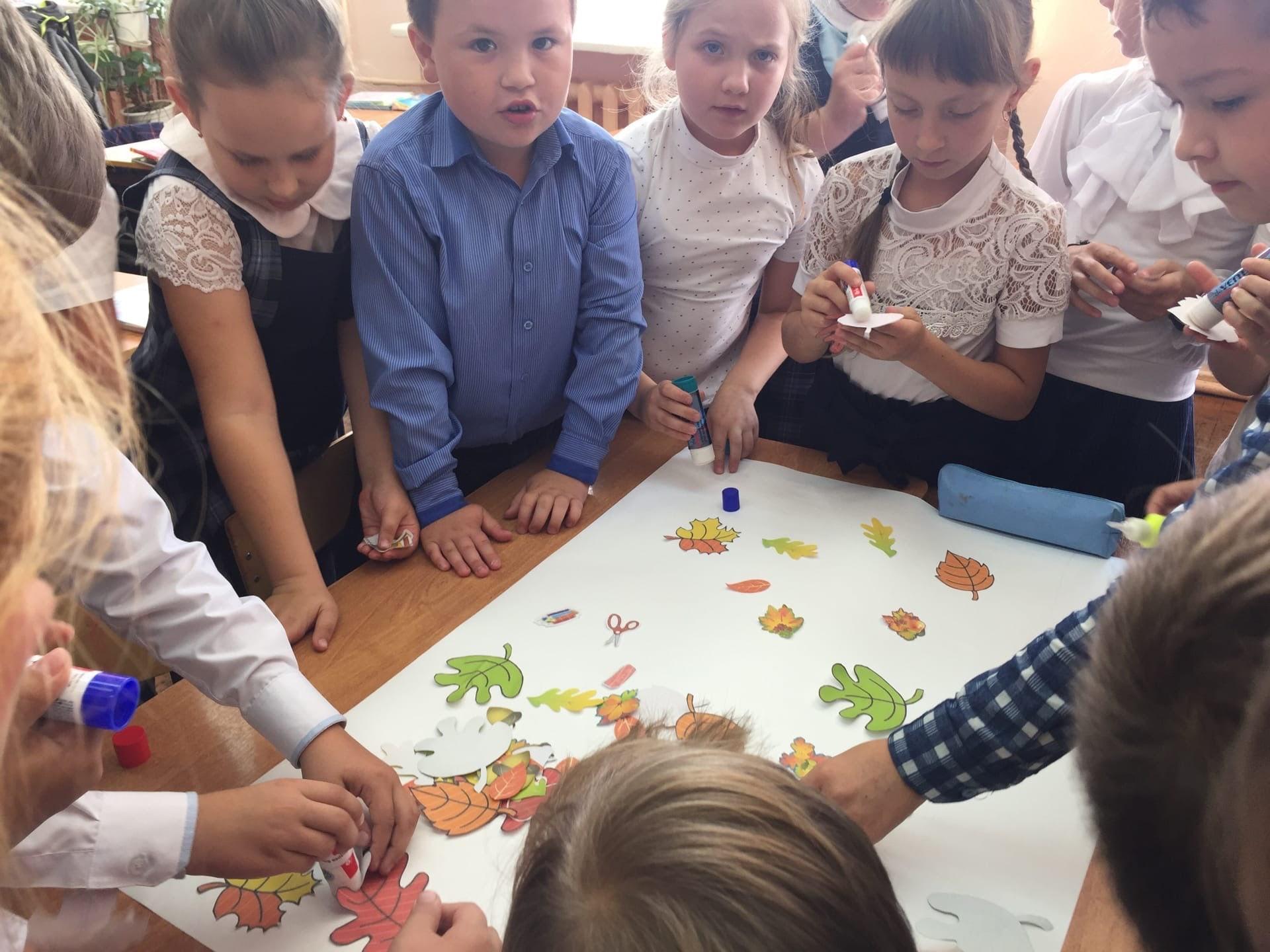 #Акция@mddvolonter_kizner  Акция «Улыбка учителя»  В предверии Всемирного дня учителя,